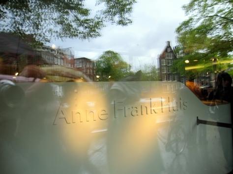 路過Anne Frank的故居,因為看過集中營,所以沒有買票入場