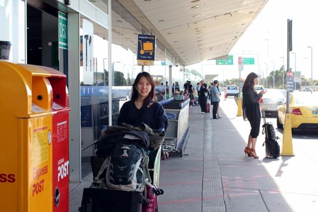 坐過夜飛機從香港到達墨爾本是當地早上八時,因為要跟其他人集合,所以坐了十一時多的飛機,一時到達Launceston