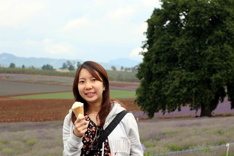吃了一杯薰衣草蜜糖雪糕,甜入心