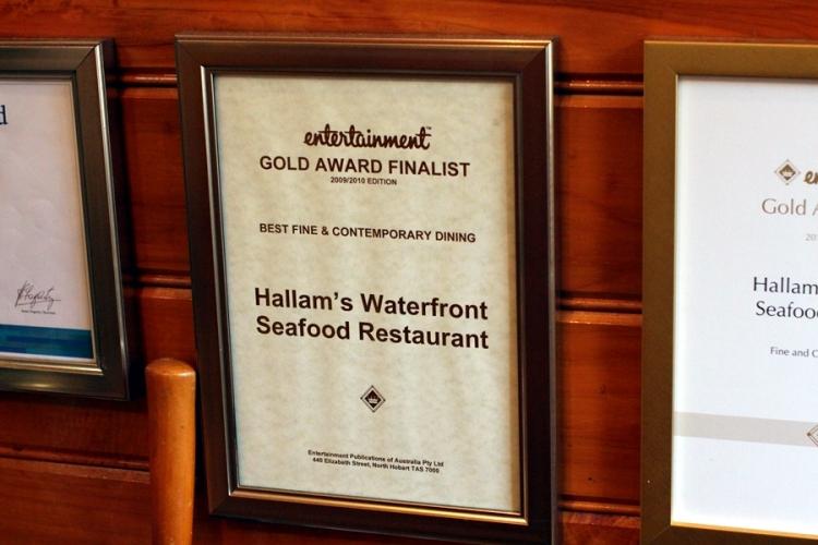 晚飯回到Launceston的Hallam's Waterfront Seafood Restaurant,十分好吃