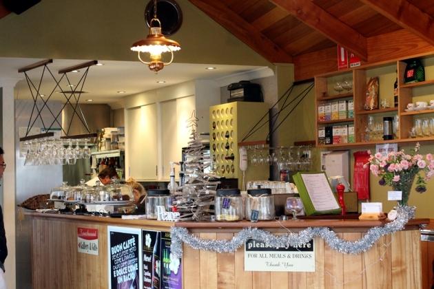 幸好還有咖啡店讓我們可以喝杯熱朱古力
