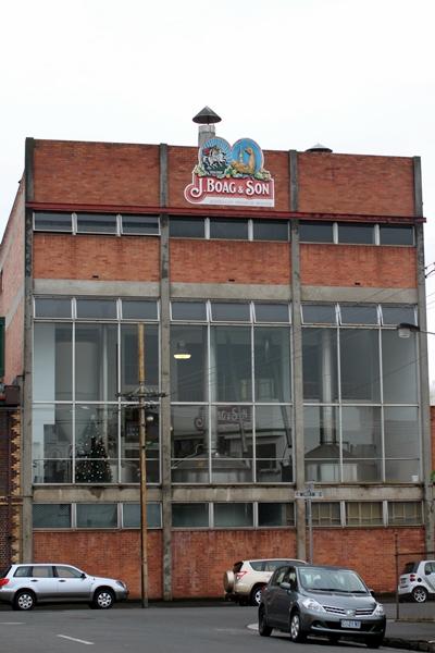 走到了當地的啤酒廠James Boag & Son,看看有沒有機會參觀
