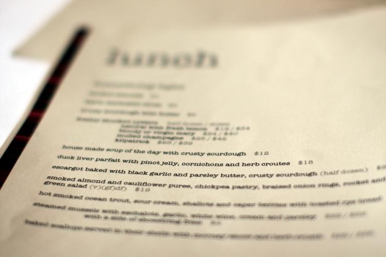 澳洲消費一點也不便宜,在餐廳吃飯最少也要20澳幣起,不過起新鮮美味的海鮮,就相對不貴