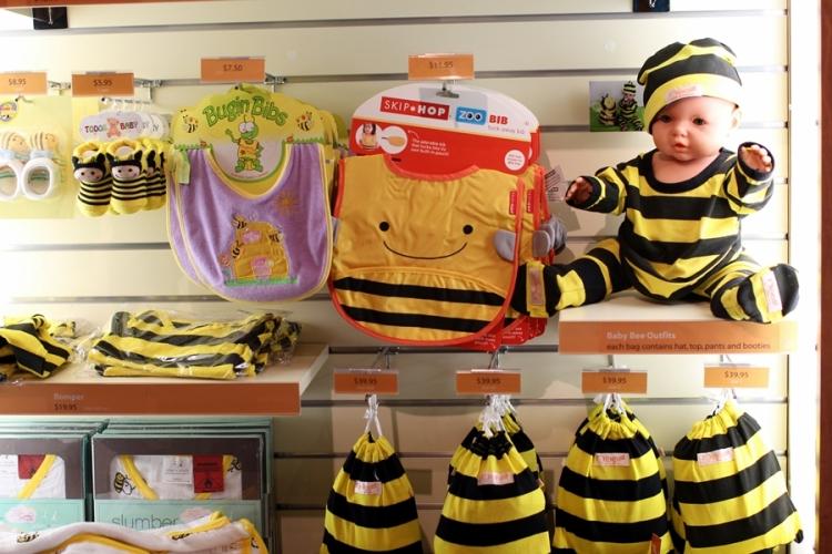 這家除了賣蜜糖,還有很多以蜜蜂為主題的BB用品