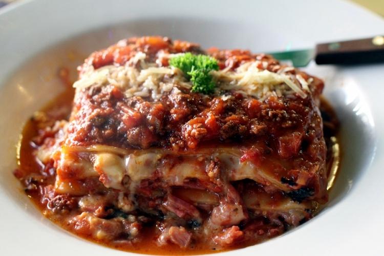 去了一家意大利餐廳。價錢合理,食物也很不錯