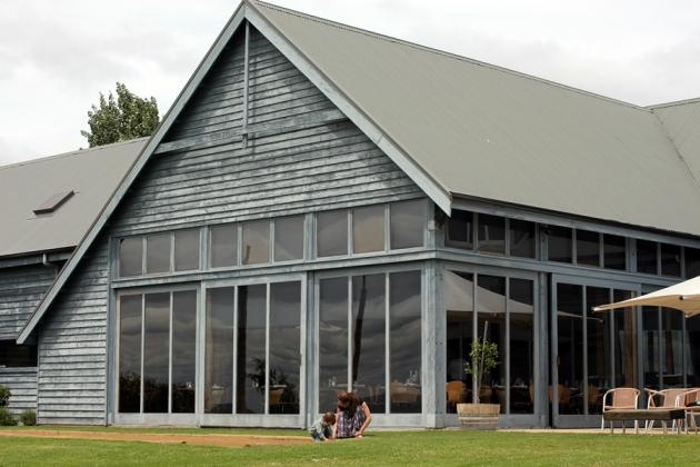餐廳的玻璃屋設計,感受到大自然和陽光