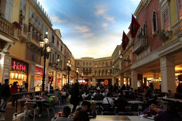 吃了在威尼斯人美食廣場的那一家,很難吃啊