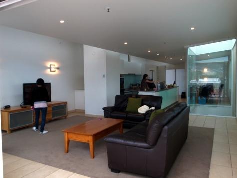 訂了一家IXL 2 Bedroom Penthouse,這是樓上的大廳
