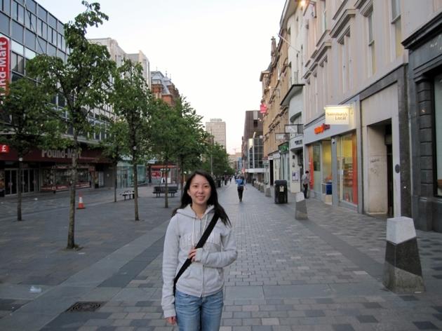 這個晚上過後,我們就去葡萄牙了,所以只是在市內閒逛。怎麼只有八時多,街上都已經沒有人了
