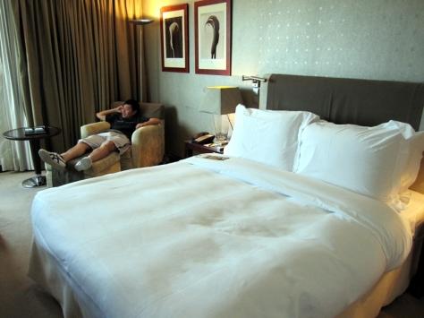飲飽食醉過後,就在這大床一覺睡天光