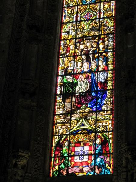 我最喜愛色彩亮麗的玻璃窗