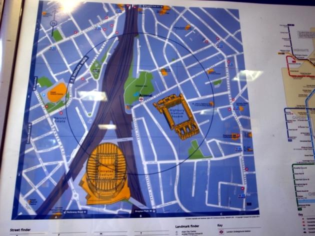 球場就在地鐵附近,除了球場就是民居,不知道是不是住在這裡的都是阿仙奴球迷?
