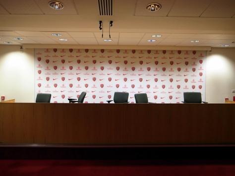 傳媒室,是領隊賽前和賽後跟媒體見面的地方