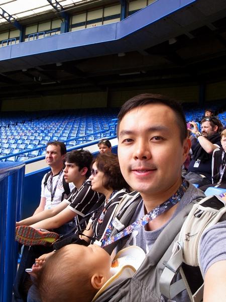 同時參觀的有大約30 - 40人,其中有一半是韓國人,難道是Samsung贊助的?
