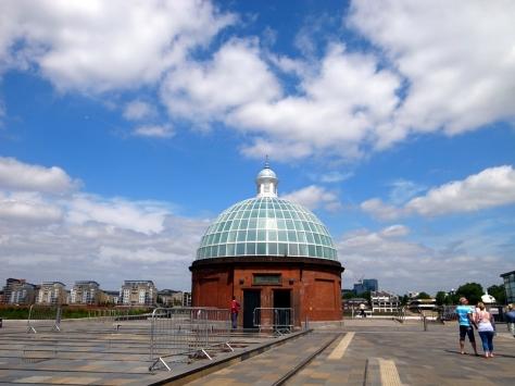 一開始還以為這個是皇家天文台的一部份,原來這只不過是一個地下通道。天文台還要走很遠