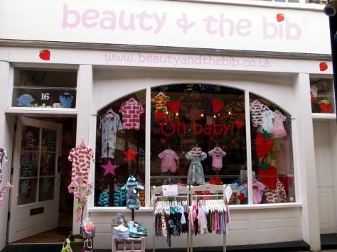 在Greenwich遇上的BB小店,叫Beauty& the bib,有很多很特別的口水堅